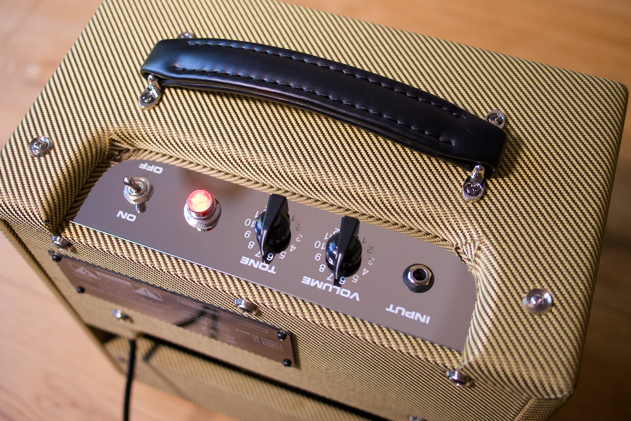 Morris Guitar Amplification Tweed 5-8